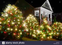 Christmas Decoration Outside Home by Red And White Outside Christmas Decorations House Design Ideas