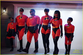 The Incredibles Family Halloween Costumes by The Cast Of U0027black Ish U0027 Are The Incredibles For Halloween Photo