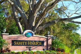 Define Tree Safety Harbor Officials Attempt To Define U0027small Town Charm