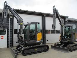 volvo ecr 50 d mini excavators u003c 7t mini diggers year of