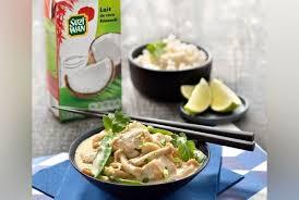 recette cuisine wok wok de poulet au curry vert et coco la recette version femina