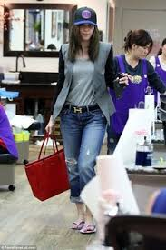 emmy rossum visits a nail salon emmy rossum nail salons and