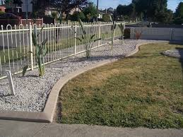 concrete landscape edging molds the benefits and drawbacks of