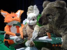 K Hen In U Form Kaufen Theater Der Kleinen Form Puppentheater Kindertheater