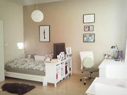 Schlafzimmer Komplett Zu Verschenken In Berlin Schöne Wg Zimmer Einrichtungsidee Großes Bett Schreibtisch
