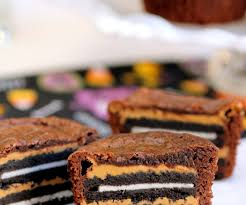 oreo and peanut butter brownie cakes with pictures