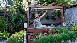 Backyard Projector Screen by Show Thyme How To Build An Outdoor Theater In Your Garden The