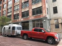 Living On One Dollar Trailer by Can You Live In A 19 Foot Airstream Trailer In Nyc The Drive
