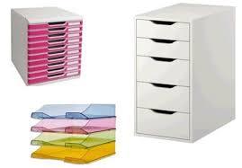 rangement de bureau des casiers et des pots pour le bureau dans pour