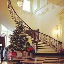 Decoration Of Christmas Tree History by Christmas Tree At The Ahc U0027s Swan House Classic Christmas