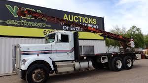 kenworth medium duty trucks 1984 kenworth 2150 24 u0027 flatbed w clearfield conveyor roofing truck