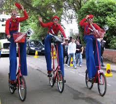 clown stilts jugglers clowns stilt walkers entertainers from comedyjugglers