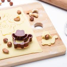 emporte pi鐵e cuisine nutter squirrel shaped cookie cutter by monkey business