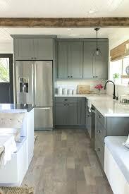 repeindre une cuisine en mélaminé repeindre une cuisine repeindre cuisine rustique peinture pour