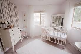 chambre bébé papier peint nouveautés déco dans la chambre de bébé trouver des idées de