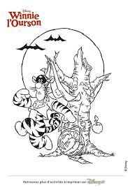 coloriage halloween winnie et porcinet disney coloriages fr