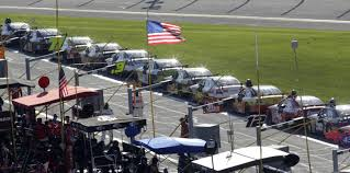 Red Flag Nascar Nascar Offers To Exchange Confederate Flag For American At Daytona