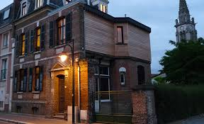 chambre d hote de charme en baie de somme la garconnière chambres d hôtes abbeville rue ledien picardie