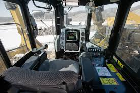 cat pipelayers offer power and comfort to operators sae