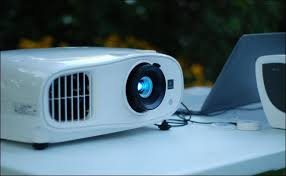 Backyard Projector How To Throw The Ultimate Backyard Movie Night