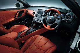 Nissan Gtr 2014 - 2015 nissan gt r is more user friendly gets subtle styling upgrades
