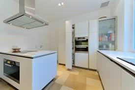 apothekerschrank k che perfekt für die küche der apothekerschrank küchenkompass