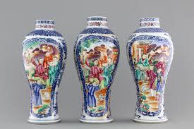 mandarin porcelain a garniture of three export porcelain mandarin pattern