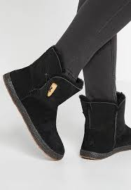 ugg garnet sale ugg mini bailey bow ii ugg mckay winter boots chestnut