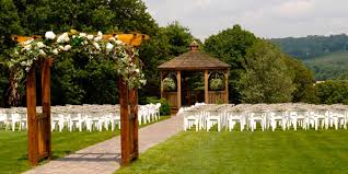 inexpensive wedding venues in ma zukas hilltop barn weddings get prices for central massachusetts