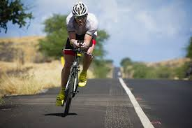 cycling wind how to ride a time trial bike in the wind guy jones triathlon