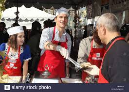 matt bomer at the los angeles mission s thanksgiving for skid row