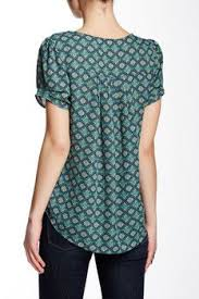 Black Blouses For Work Best 20 Short Sleeve Blouse Ideas On Pinterest Floral Blouse