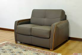 trasformare un letto in un divano divano letto matrimoniale moderno in pelle