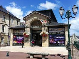 office bureau office de tourisme de bayeux intercom bureau de bayeux normandy
