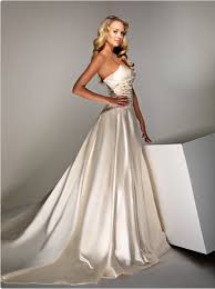 silk wedding dress tips and ideas to take into account when choosing wedding gowns