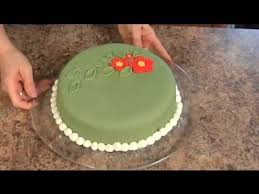 how to decorate a homemade cake using fondant decorating cakes