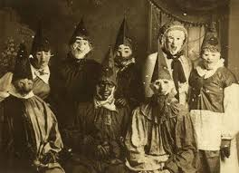 40 vintage halloween costumes that will give you nightmares