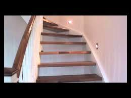 treppe aufarbeiten eingestemmte treppe in weiß lackiert mit nußbaumstufen