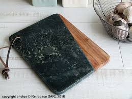 planche à découper cuisine planche à découper marbre vert et bois madam stoltz marbre vert