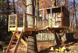 building your own tree house how to build a house 7 treehouses that will make you green with envy