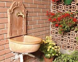 lavelli esterno come installare un lavatoio da esterno per il giardino