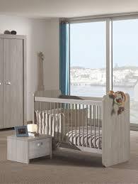 soldes chambre bébé lit bébé évolutif contemporain chêne clair margaux lit chevet