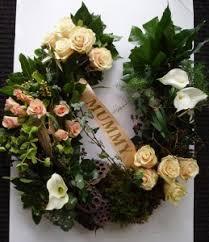 horseshoe wreath earthy nature horseshoe wreath wreath in ky chasing