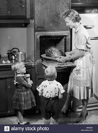 thanksgiving photographs family dinner 1950 u0027s stock photos u0026 family dinner 1950 u0027s stock