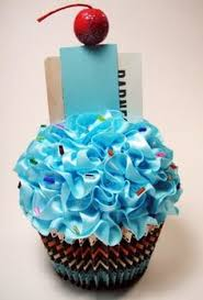 How To Wrap A Gift Card Creatively - cupcake gift card holder great way to wrap a gift gift