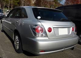 toyota altezza modified file toyota altezza gita jce10 rear jpg wikimedia commons