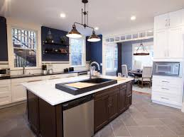 kitchen idea of the day a modern luxury kitchen with navy blue