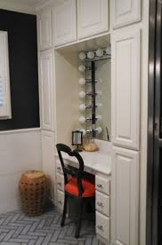 Vanity With Makeup Area by Best 25 Small Makeup Vanities Ideas On Pinterest Diy Makeup
