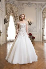 wedding dresses for curvy brides the best wedding dresses for curvy brides justin