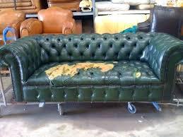 rénover un canapé en cuir renover un canape en cuir renovation canape chesterfield comment